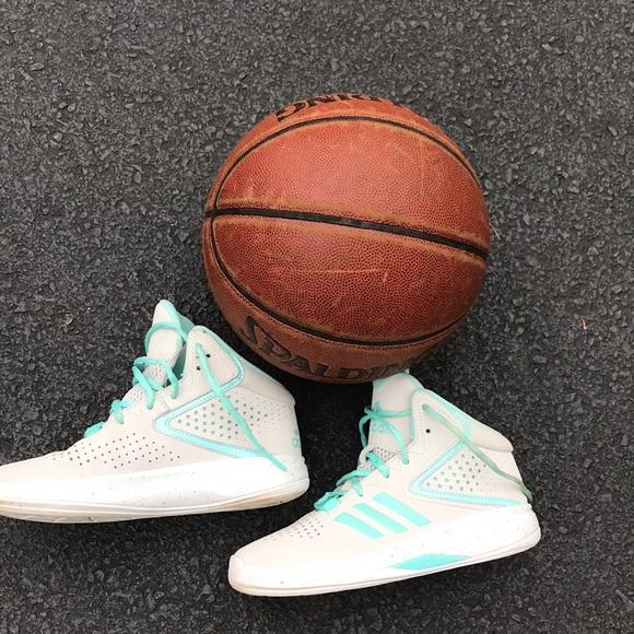 ADIDAS Girls Basketball Shoes Size 4.5 White/Aqua